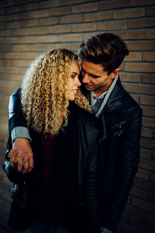 Love-Kisses-Shooting-Couple-Munich