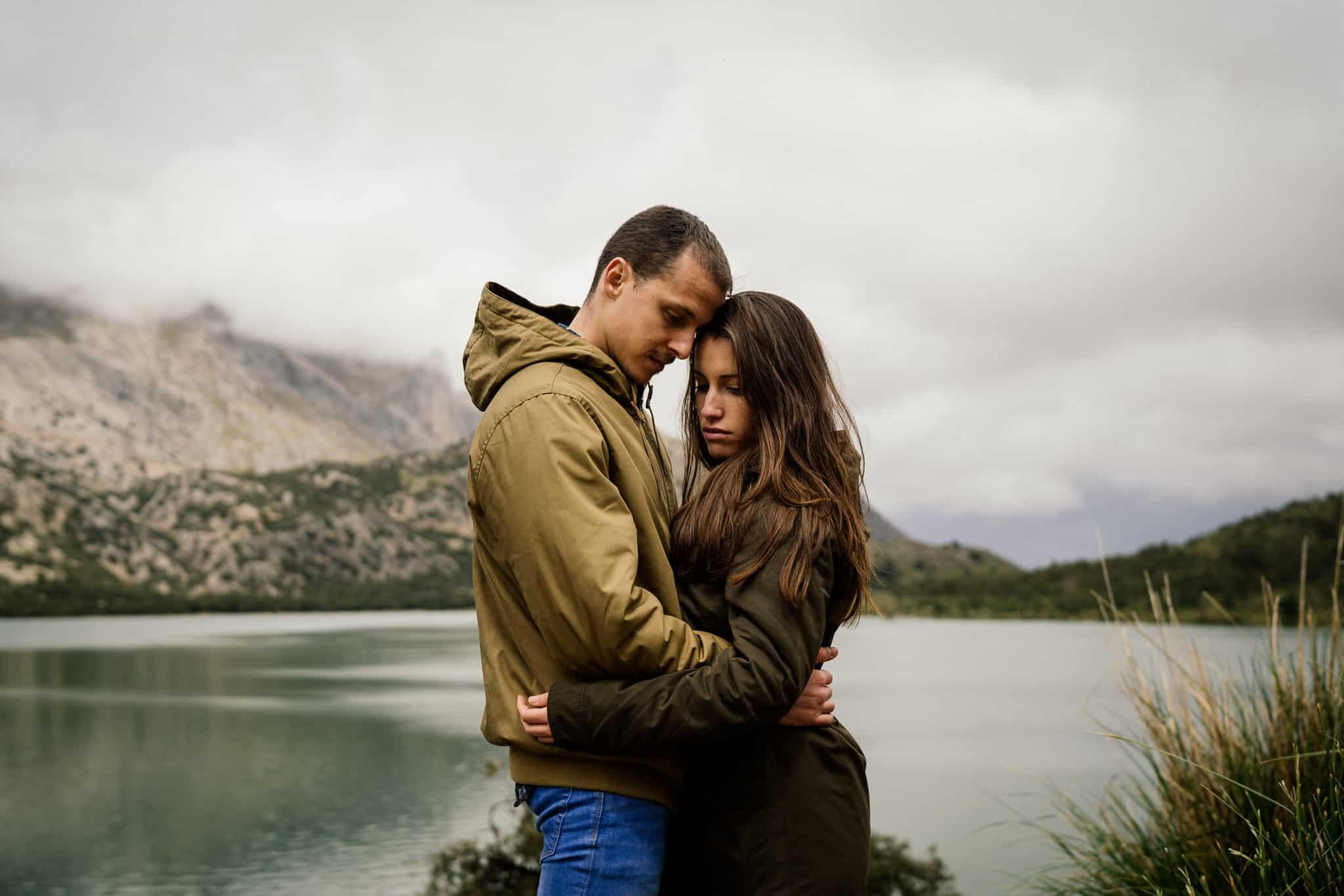 Coupleshooting Mountains