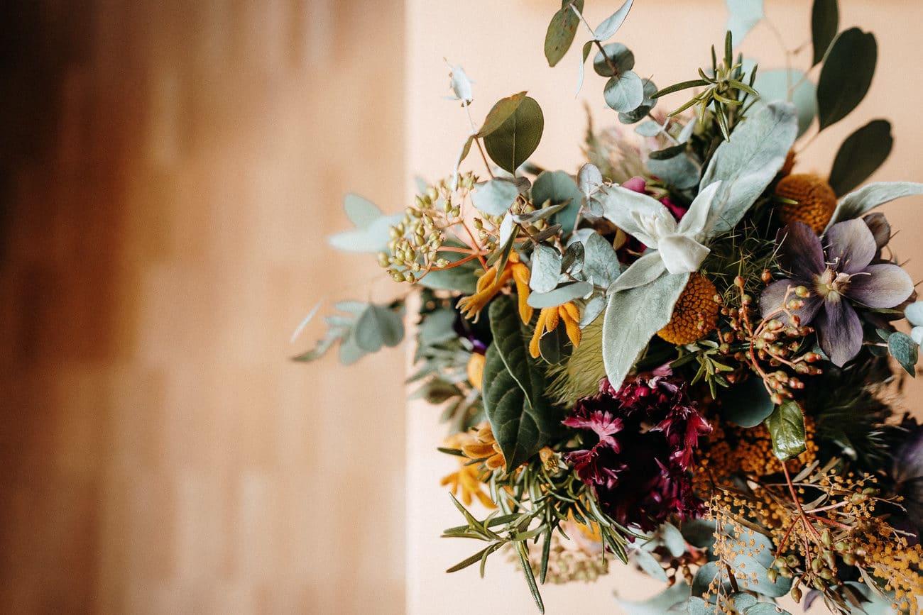 Boho Hochzeit freie Trauung Tenne Stadl Scheune München
