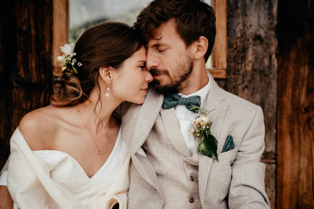 Almhochzeit heiraten auf einer Alm in den Bergen Alpen
